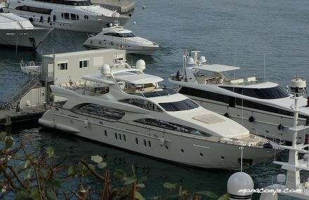 The one Azimut 116 is yacht with length of 35.4 meters, beam of 7.4 meters ...
